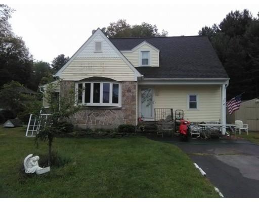 واحد منزل الأسرة للـ Sale في 54 Park Street 54 Park Street Stafford, Connecticut 06076 United States