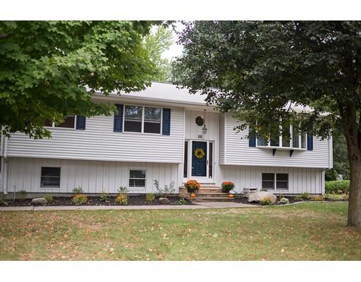 独户住宅 为 销售 在 20 Meadowood Drive South Hadley, 马萨诸塞州 01075 美国