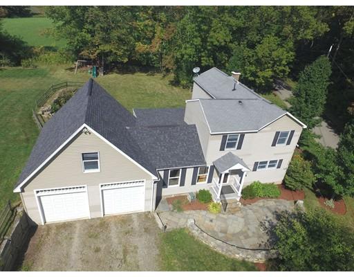 واحد منزل الأسرة للـ Sale في 284 Lincoln Road 284 Lincoln Road Oakham, Massachusetts 01068 United States
