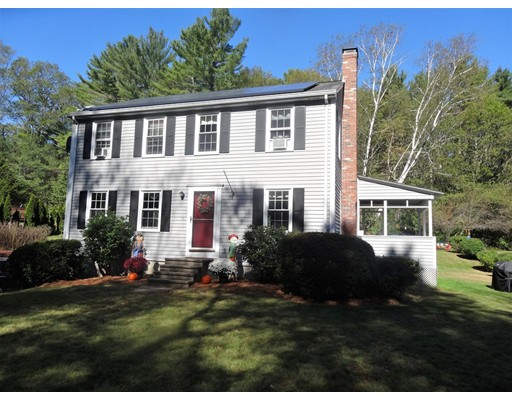 Single Family Home for Sale at 60 Riedell Road 60 Riedell Road Douglas, Massachusetts 01516 United States