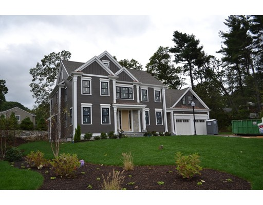 Частный односемейный дом для того Продажа на 64 ROCKWOOD LANE Needham, Массачусетс 02492 Соединенные Штаты
