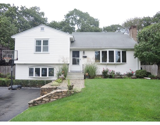 Single Family Home for Sale at 132 Valley Road Needham, Massachusetts 02492 United States
