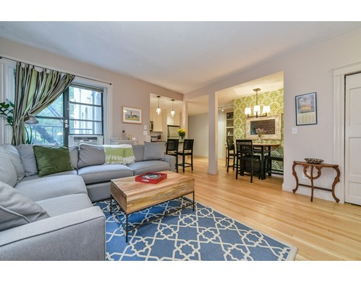 شقة بعمارة للـ Sale في 1038 Beacon Street Brookline, Massachusetts 02446 United States