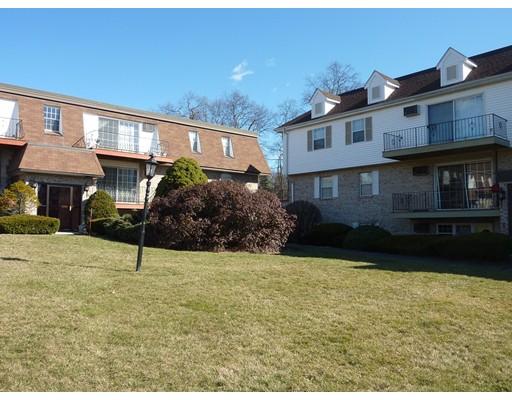 Appartement en copropriété pour l Vente à 28 Williamsburg Ct #4 28 Williamsburg Ct #4 Shrewsbury, Massachusetts 01545 États-Unis