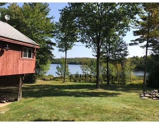 Single Family Home for Sale at 671 Royalston Road 671 Royalston Road Fitzwilliam, New Hampshire 03447 United States