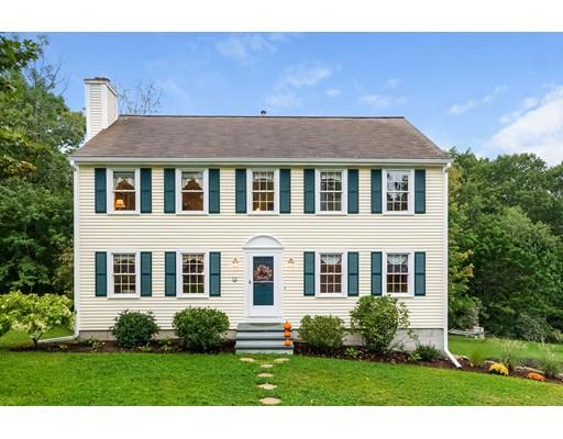 Maison unifamiliale pour l Vente à 12 Cutting Drive Maynard, Massachusetts 01754 États-Unis
