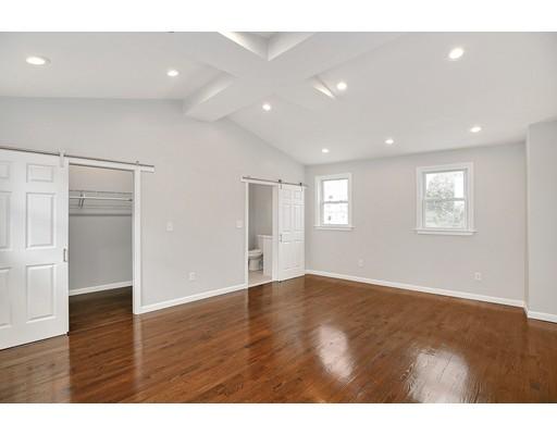 多户住宅 为 销售 在 416 Hyde Park Avenue 波士顿, 马萨诸塞州 02131 美国