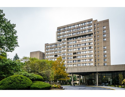 Condominium for Sale at 250 Hammond Pond Pkwy Newton, Massachusetts 02467 United States