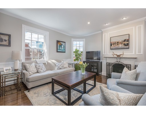 Nhà chung cư vì Bán tại 93 Revere Street Boston, Massachusetts 02114 Hoa Kỳ