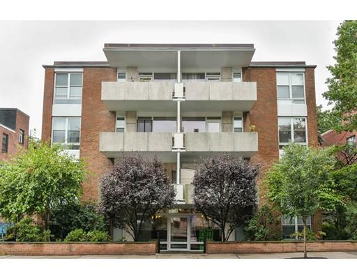 شقة بعمارة للـ Sale في 100 Marion Brookline, Massachusetts 02446 United States