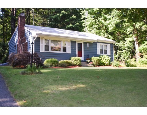 独户住宅 为 销售 在 76 High Street 厄普顿, 马萨诸塞州 01568 美国
