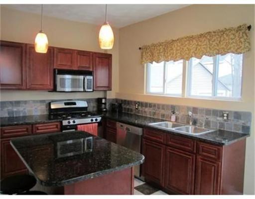 独户住宅 为 出租 在 165 Berwick Street 梅尔罗斯, 马萨诸塞州 02148 美国