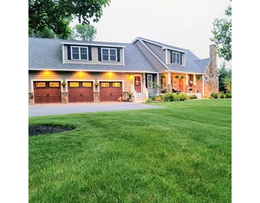 Casa Unifamiliar por un Venta en 85 Hartwell Avenue 85 Hartwell Avenue Littleton, Massachusetts 01460 Estados Unidos