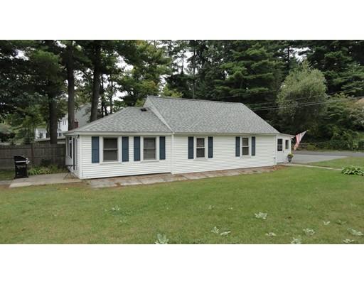 واحد منزل الأسرة للـ Sale في 8 Calvin Street Ayer, Massachusetts 01432 United States