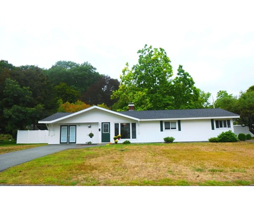 Single Family Home for Sale at 42 Bradford Road Framingham, Massachusetts 01701 United States