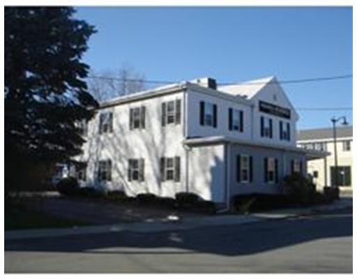 Частный односемейный дом для того Аренда на 19 Central Street 19 Central Street Norwood, Массачусетс 02062 Соединенные Штаты