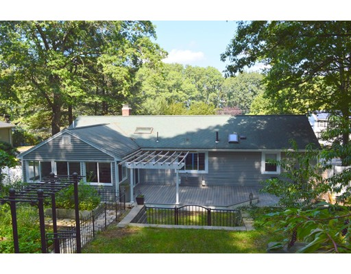 Single Family Home for Sale at 71 Indian Head Road Framingham, Massachusetts 01701 United States