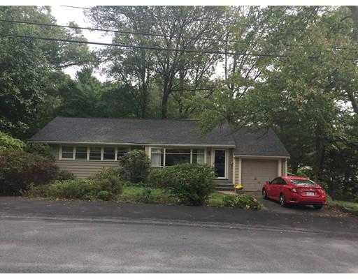 Maison unifamiliale pour l Vente à 138 Pacella Drive 138 Pacella Drive Dedham, Massachusetts 02026 États-Unis
