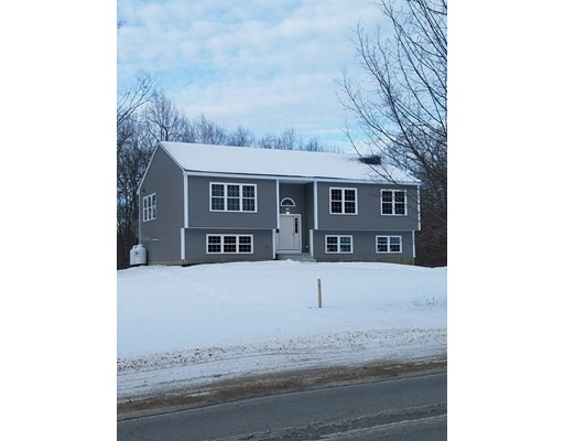 Single Family Home for Sale at 73 New Braintree Road 73 New Braintree Road North Brookfield, Massachusetts 01535 United States
