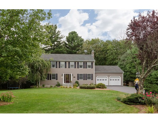 Single Family Home for Sale at 8 Sunken Meadow Road Franklin, Massachusetts 02038 United States