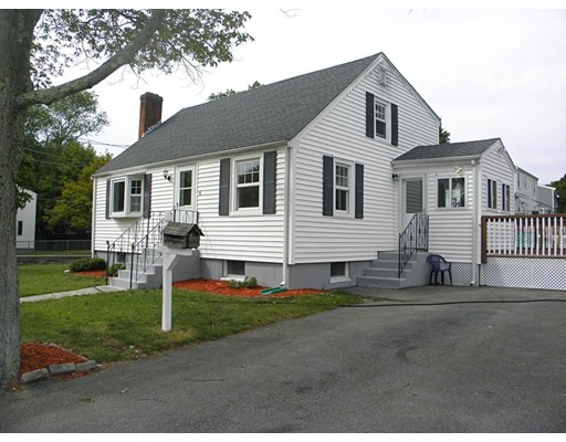 Single Family Home for Sale at 6 Lincoln Avenue Holbrook, Massachusetts 02343 United States
