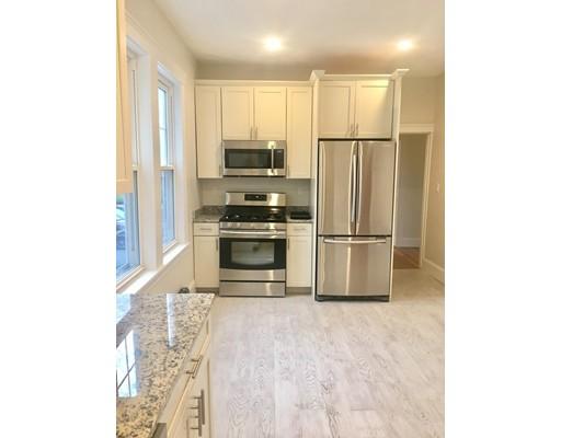Частный односемейный дом для того Аренда на 51 Nichols Street 51 Nichols Street Everett, Массачусетс 02179 Соединенные Штаты
