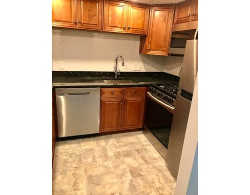 Additional photo for property listing at 44 BROADLAWN PK #12A 44 BROADLAWN PK #12A Boston, Massachusetts 02132 United States