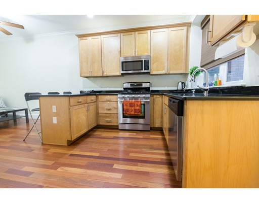 Additional photo for property listing at 46 N Bennet Street #3 46 N Bennet Street #3 Boston, Массачусетс 02113 Соединенные Штаты