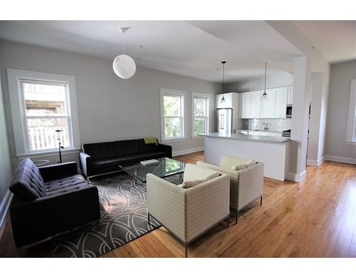 Casa Unifamiliar por un Alquiler en 848 E Fifth Boston, Massachusetts 02127 Estados Unidos