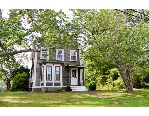 Maison unifamiliale pour l Vente à 46 Beach Road 46 Beach Road Salisbury, Massachusetts 01952 États-Unis