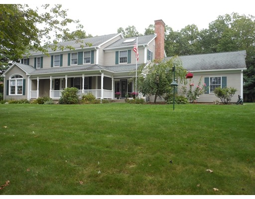 واحد منزل الأسرة للـ Sale في 129 Glynn Farms Drive 129 Glynn Farms Drive East Longmeadow, Massachusetts 01028 United States
