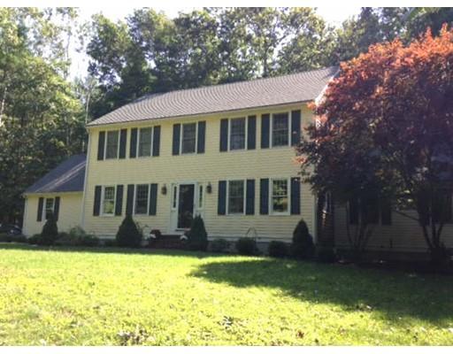 Maison unifamiliale pour l Vente à 12 Trout Farm Lane 12 Trout Farm Lane Plympton, Massachusetts 02367 États-Unis