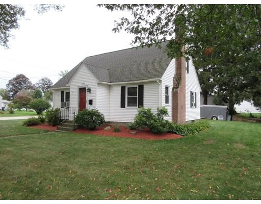 Casa Unifamiliar por un Venta en 104 Elmwood Street Auburn, Massachusetts 01501 Estados Unidos