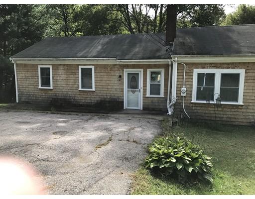 独户住宅 为 销售 在 369 Plymouth Street Middleboro, 02346 美国