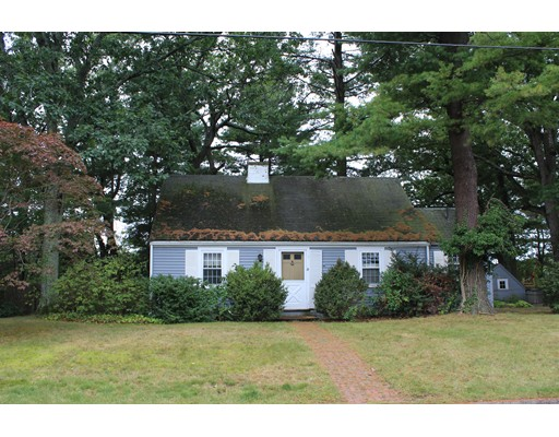 Single Family Home for Sale at 16 Bay View Road 16 Bay View Road Wellesley, Massachusetts 02482 United States