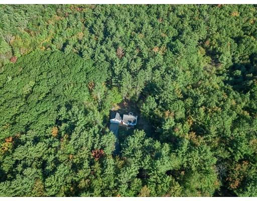 独户住宅 为 销售 在 624 Teel Road 温琴登, 01475 美国