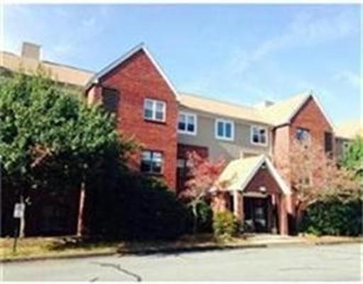共管式独立产权公寓 为 销售 在 10 Longworth Ave #16 10 Longworth Ave #16 布罗克顿, 马萨诸塞州 02301 美国