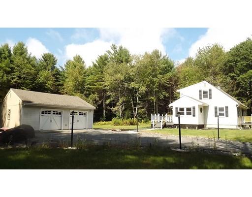 Maison unifamiliale pour l Vente à 82 Curtis Hall Road 82 Curtis Hall Road Blandford, Massachusetts 01008 États-Unis