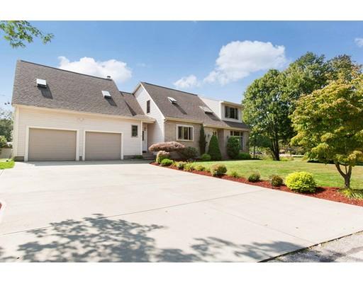 Частный односемейный дом для того Продажа на 11 Cross 11 Cross North Smithfield, Род-Айленд 02896 Соединенные Штаты
