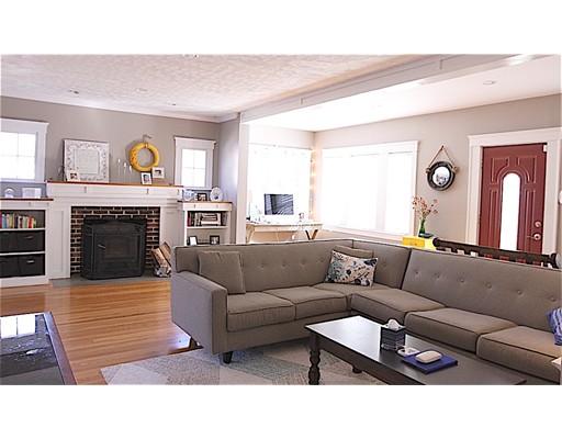 Single Family Home for Sale at 196 Beacon Street 196 Beacon Street Framingham, Massachusetts 01701 United States