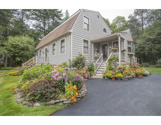 Single Family Home for Sale at 300 Sycamore Street 300 Sycamore Street Holbrook, Massachusetts 02343 United States
