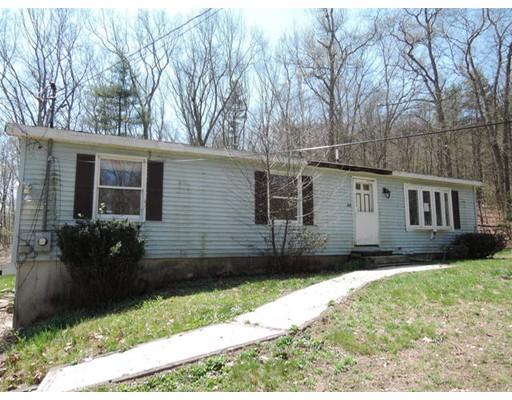 واحد منزل الأسرة للـ Sale في 44 May Hill Road 44 May Hill Road Monson, Massachusetts 01057 United States