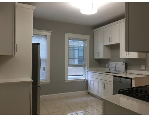 Casa Unifamiliar por un Alquiler en 262 belmont Street Watertown, Massachusetts 02472 Estados Unidos