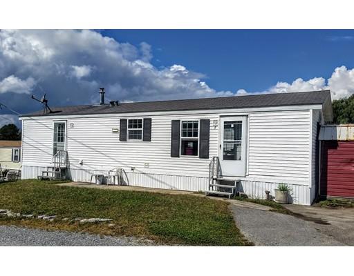 Casa Unifamiliar por un Venta en 11 Groton School Road 11 Groton School Road Ayer, Massachusetts 01432 Estados Unidos