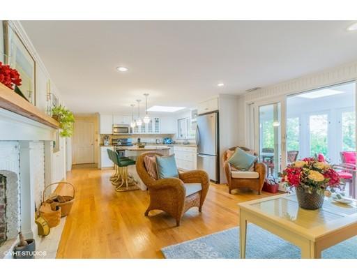 Casa Unifamiliar por un Venta en 28 Lookout Road 28 Lookout Road Yarmouth, Massachusetts 02675 Estados Unidos