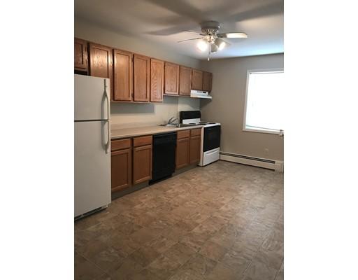 شقة للـ Rent في 336 Hatfield St #A 336 Hatfield St #A Northampton, Massachusetts 01060 United States