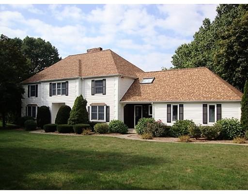 واحد منزل الأسرة للـ Sale في 23 Shoreline Drive 23 Shoreline Drive Foxboro, Massachusetts 02035 United States