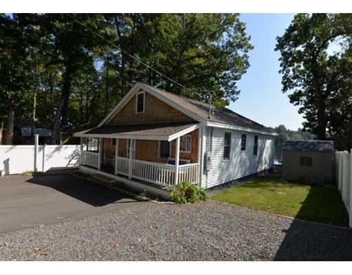 独户住宅 为 销售 在 34 North Shore Road 34 North Shore Road Sandown, 新罕布什尔州 03873 美国