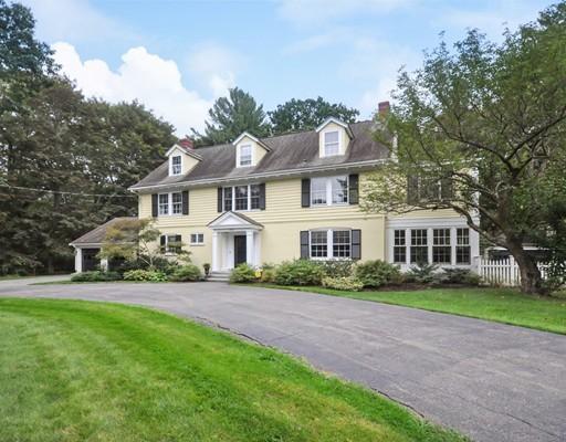 Enfamiljshus för Försäljning vid 353 Elm Street 353 Elm Street Concord, Massachusetts 01742 Usa