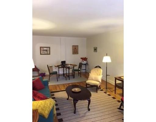 Casa Unifamiliar por un Alquiler en 37 Beacon Street (FURNISHED) Boston, Massachusetts 02114 Estados Unidos